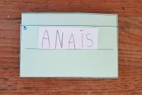 Etiquette prénom écrit par l'enfant