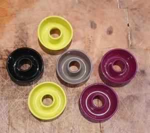 Petits moules ronds de couleur